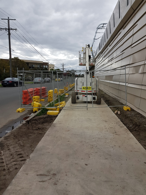 Some of the bikepath along Skyrail can be ridden... and some cannot
